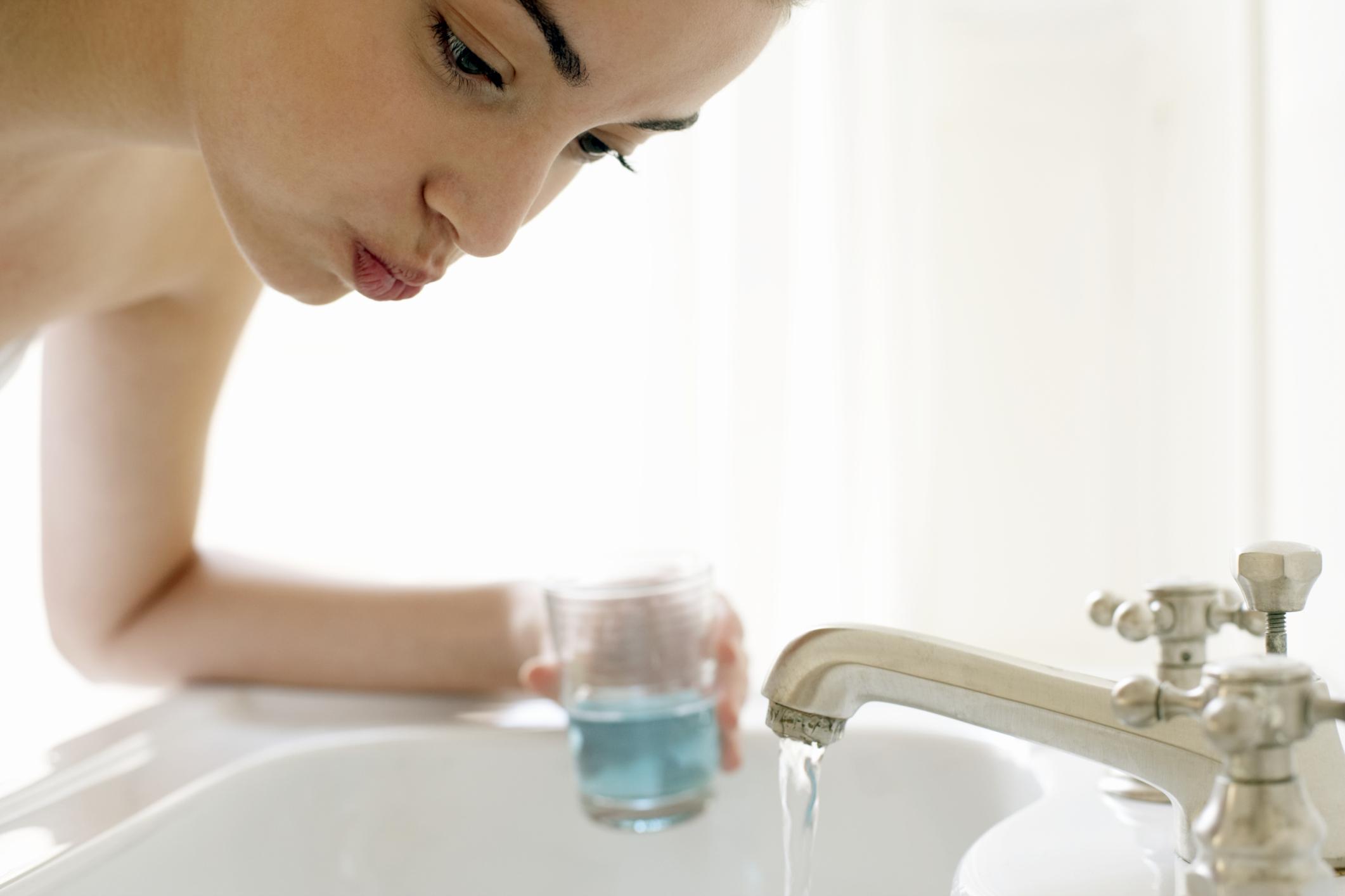 Importancia del uso del colutorio en la higiene bucal diaria