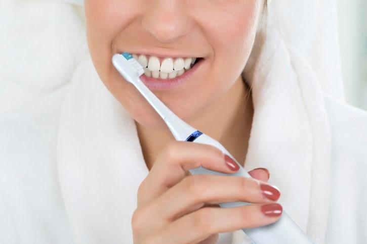 Cepillo, base de la higiene bucal diaria